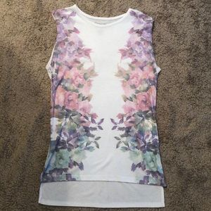 Tops - White flowered tank top